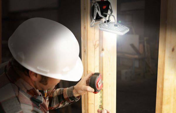 Mobile Task Light Uses Construction