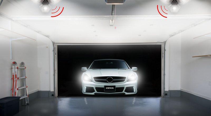 stkr trilight car in garage 1 2 scaled