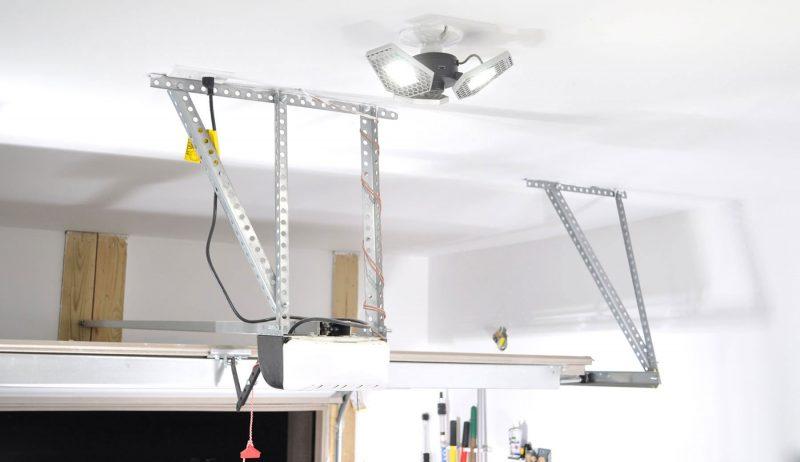 stkr trilight in garage 1 1 scaled